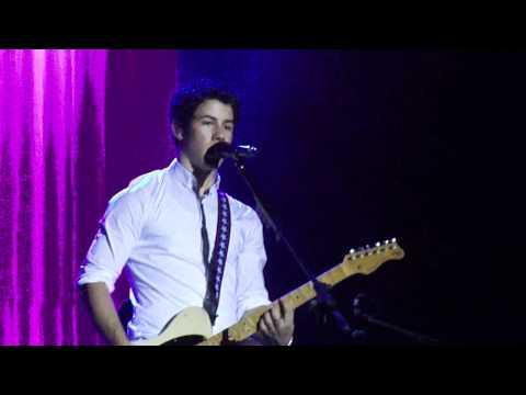 Nick Jonas - Hello Beautiful. October 8, 2011. Caracas, Venezuela