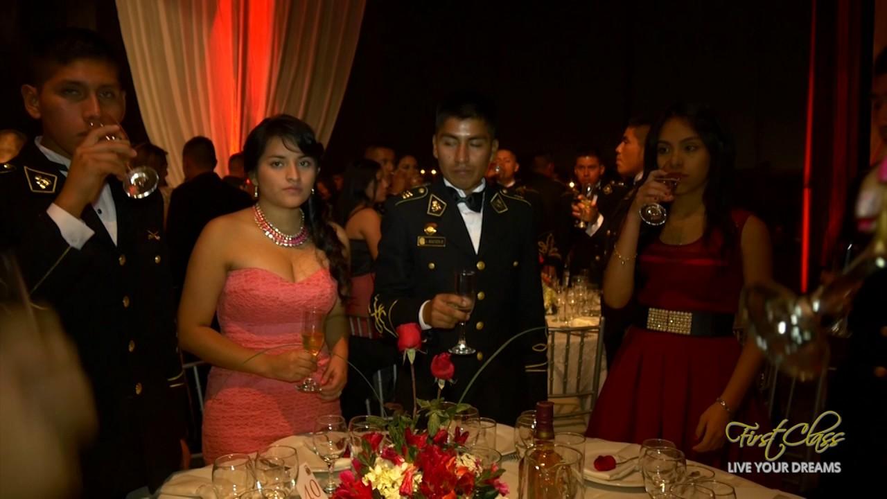 Fiesta de graduacion sangrienta online dating