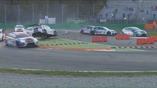 TCR Italian Series 2017. Race 2 Autodromo Nazionale Monza. Start Crash