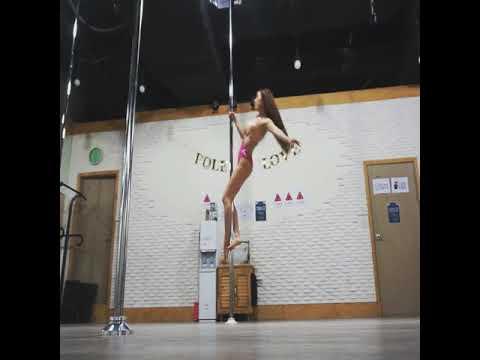 철푸덕 착지주의 -- Christine Kim poledance