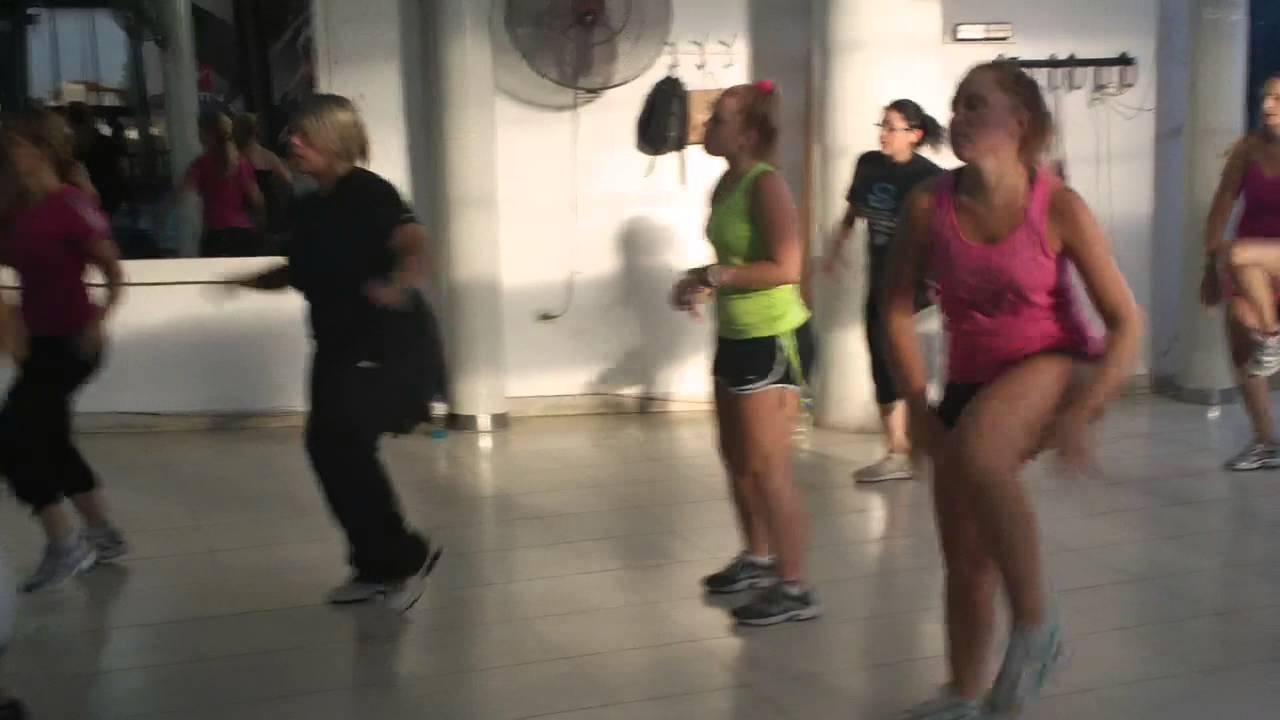 Zumba atomo gym mujer rosario argentina youtube for Gimnasio fitness rosario