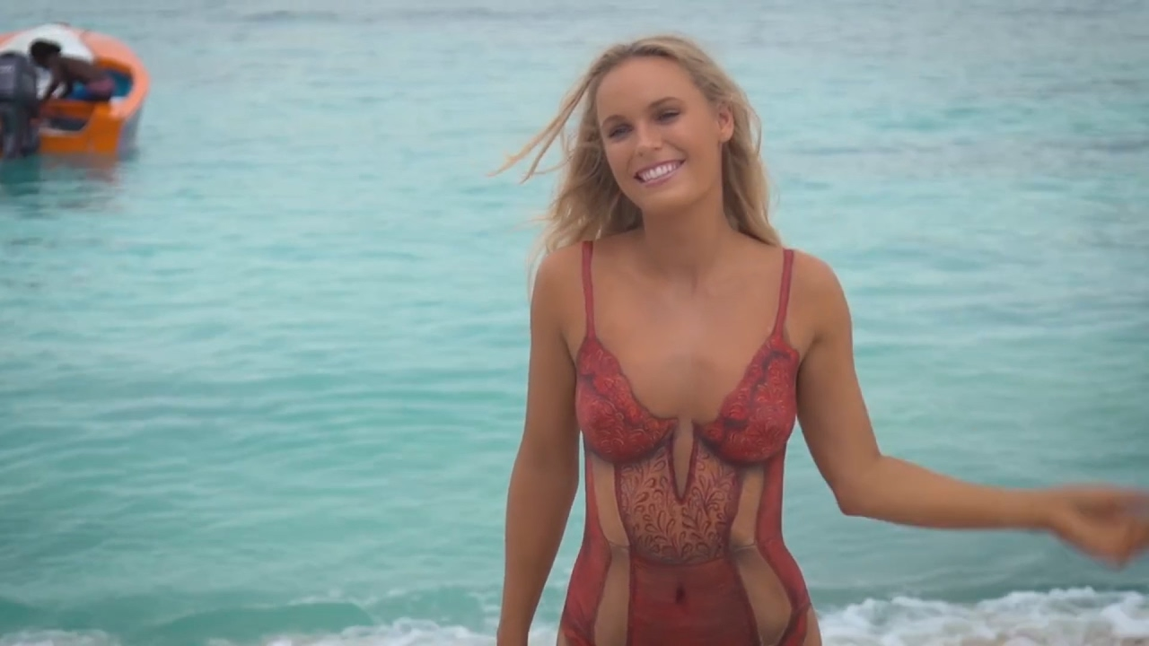 Caroline Wozniacki mit Bodypainting für Sports Illustrated Swimsuit