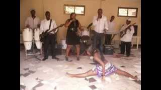 Q BAND AFRICA  {one or one} Girls Dancing Show