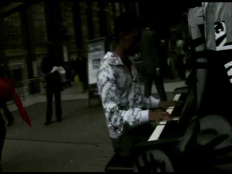 Street Pianos Red Cable Sunday Love in the Metropo...
