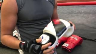 Как выбрать перчатки для бокса: подбираем боксерские перчатки для тренировок по размеру и весу + видео