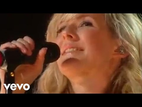 Ellie Goulding – Starry Eyed (Live at The BRIT Awards Launch Party, 2010) mp3 ke stažení