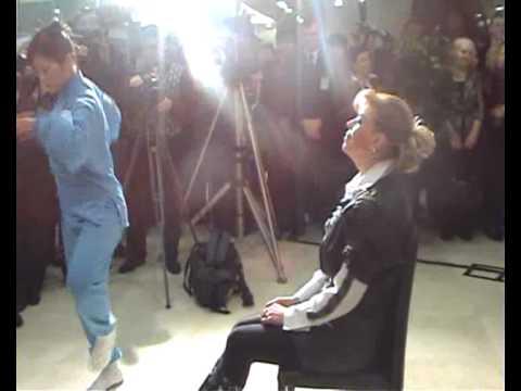 Доктор Чой Ен Джун и Анита Цой открывают клинику