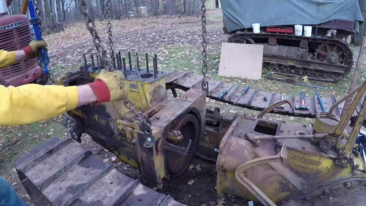 Caterpillar D2 #5J1113 - Removing the Diesel Engine