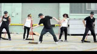 David Moore / Jamal Sims TV show Pilot The Broomstick Challenge