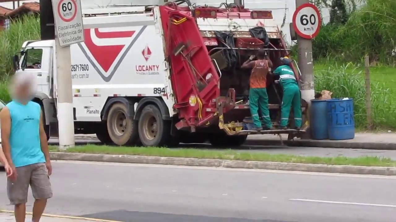Resultado de imagem para Fotosdo caminhão do lixo
