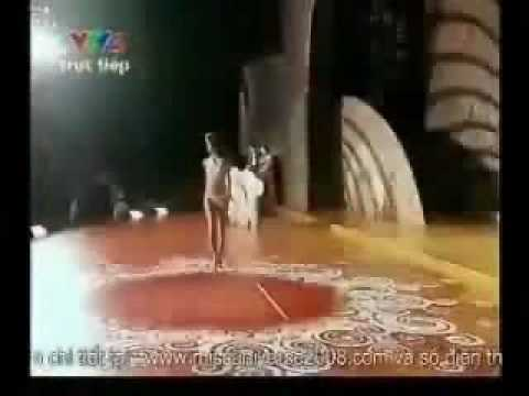 NGAN NAM MOT BONG HINH-HOA HAU HOAN VU-BIKINI