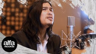 Video Virzha - Sirna [Live Accoustic] unplugged session #7 download MP3, 3GP, MP4, WEBM, AVI, FLV September 2017