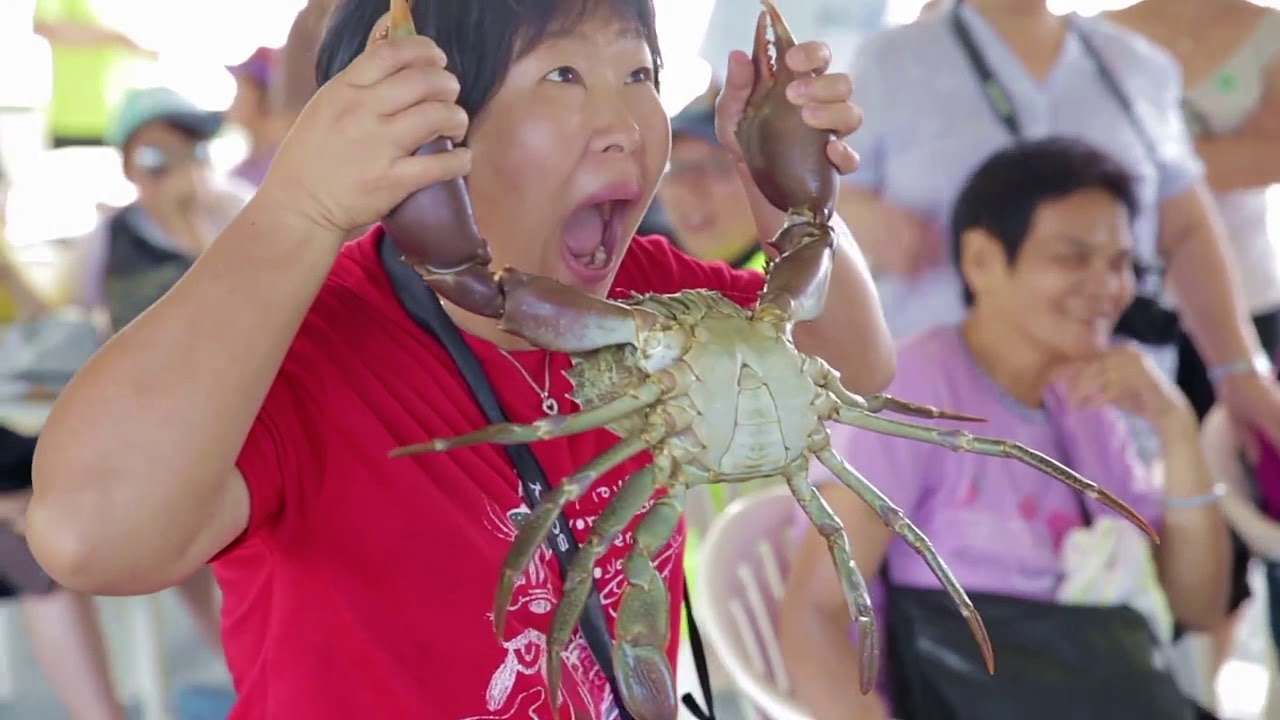 video Catch A Crab Lunch Tour