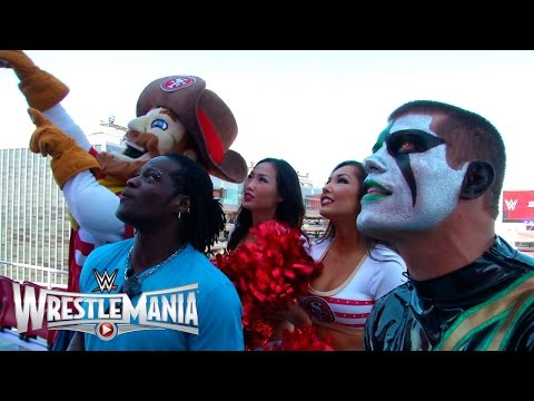 "RTruth and Stardust have a big screen ""WWE 2K15"" battle at Levi's® Stadium"