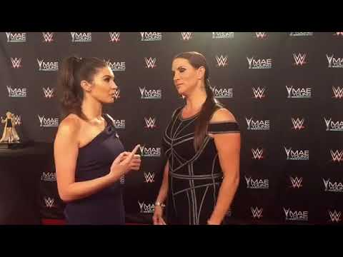 Stephanie McMahon Renews her Wedding Vows with Triple H