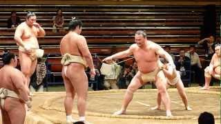 高砂一門イベント、こども相撲に高見盛!!(平成24年4月28日) thumbnail
