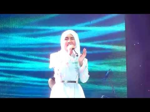 Fatin Shidqia - Hold Me (Jakarta Fair 2015)