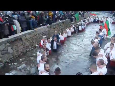 طقوس وتقاليد في عيد الميلاد على تقويم الكنيسة الشرقية  - 15:55-2019 / 1 / 7