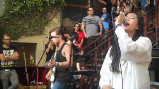 Naked & Famous - Young Blood @ Cedar Street Courtyard SXSW 2011