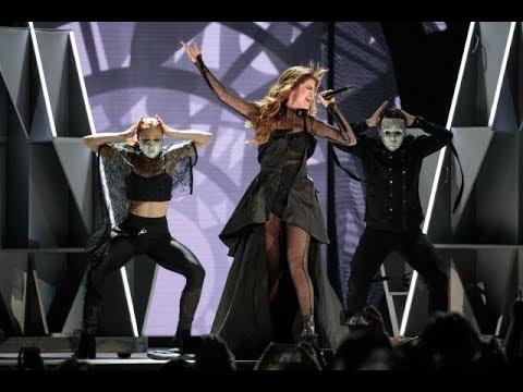 Selena Gomez -  Same Old Love (Revival Tour DVD Live)