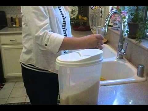 Household Tips How To Clean A Vase The Easy Way Youtube