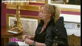 Raphaelle Ricci humilie Claire Marie