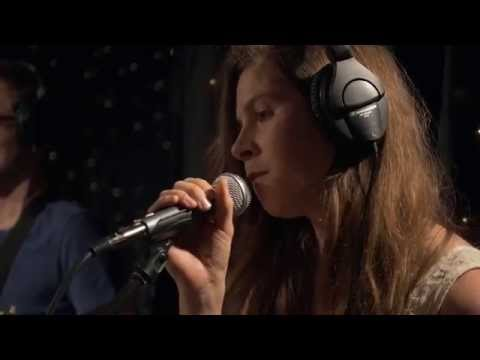 A Sunny Day In Glasgow - Oh I'm A Wrecker (What To Say To Crazy People) (Live on KEXP)