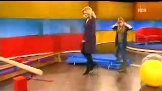 Video Bettina Tietjen vs Josefine Preuß download MP3, 3GP, MP4, WEBM, AVI, FLV Juni 2018