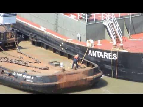 El Lobo Grande II helping tank barge Antares