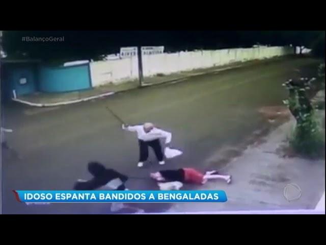 Idoso evita assalto e ataca bandidos com bengala