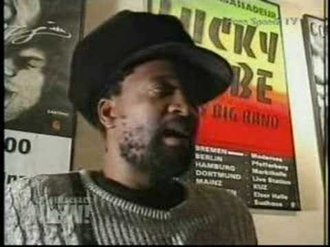 Lucky Dube murdered in S.A