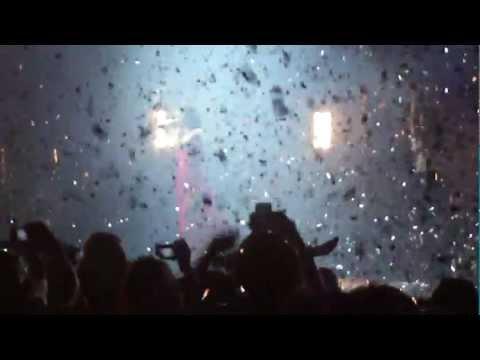 Selena Gomez & The Scene - Naturally [En vivo Movistar Arena, Chile]