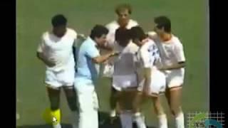 Maradona se da un repase de coca frente a millones?