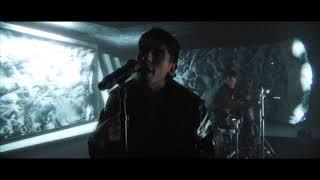 Смотреть клип Crown The Empire - Red Pills