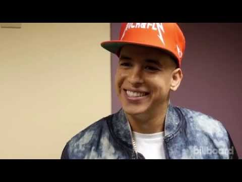 Daddy Yankee Backstage at the 2015 Latin AMAs