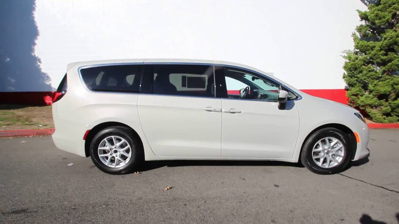 2017 Chrysler Pacifica Touring Tusk White Hr551709