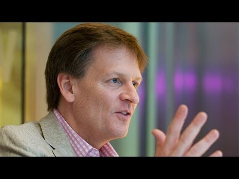 Michael Lewis Rips Stressed Wall Street Titans