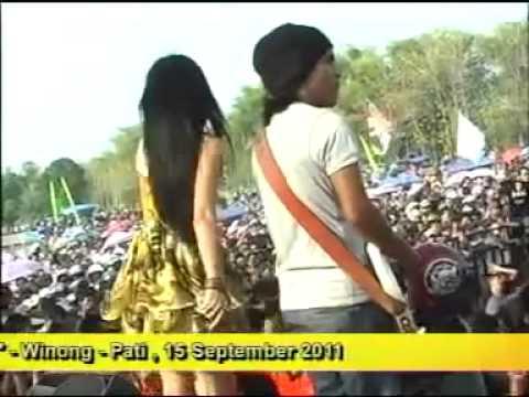 Anjar Agustin - dusta monata 2012 - YouTube_2