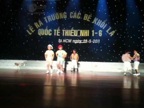 Lễ ra Trường  mầm non Bambi 2011