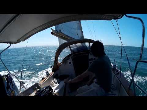 walker h28 sailing moreton Bay Oct 2014