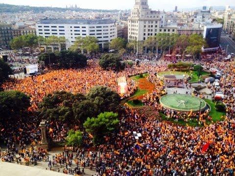 Resultado de imaxes para manifestació estelades catalunya