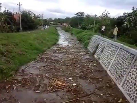 Video Amatir Detik detik Banjir di Pati Jawa Tengah