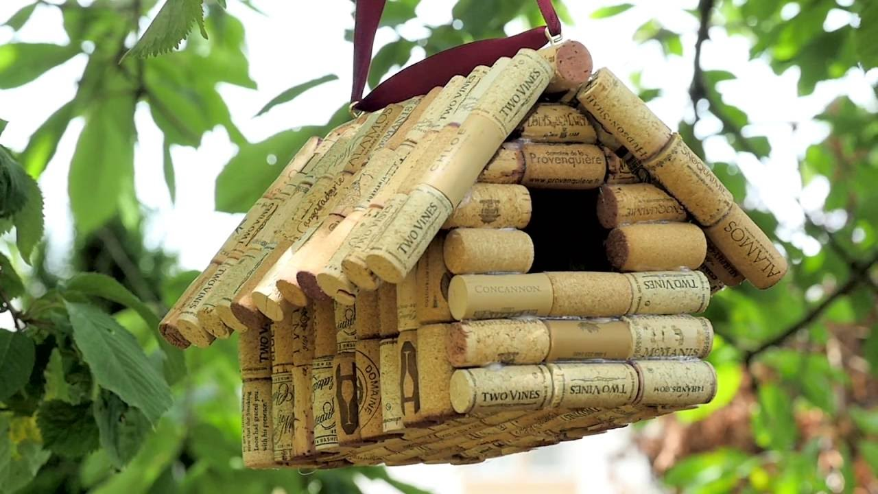 Wine cork birdhouse youtube for How to build a birdhouse out of wine corks