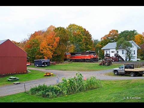 Freight Trains in Wallingford, CT 10-14-2014