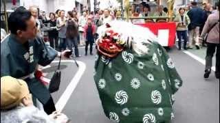 太子堂八幡神社例大祭 2012年10月14日(日) ひょっとこ踊りと獅子舞 thumbnail