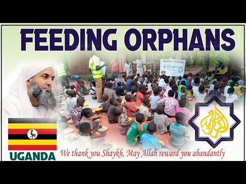 باسم الشيخ محمد فوزي الكركري مريدوا الطريقة الكركرية ينظمون مبادرة خيرية لدور اليتامى جمهورية أوغندا