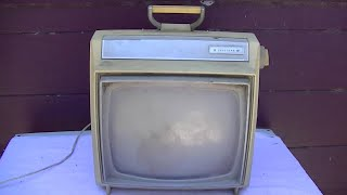 Resurrection Of 1966 Truetone Portable Black And White Television Pt1