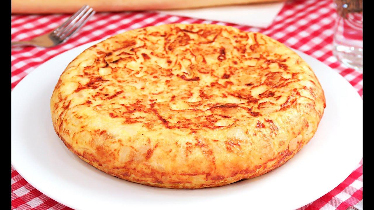 Tortilla de Patatas Española - YouTube