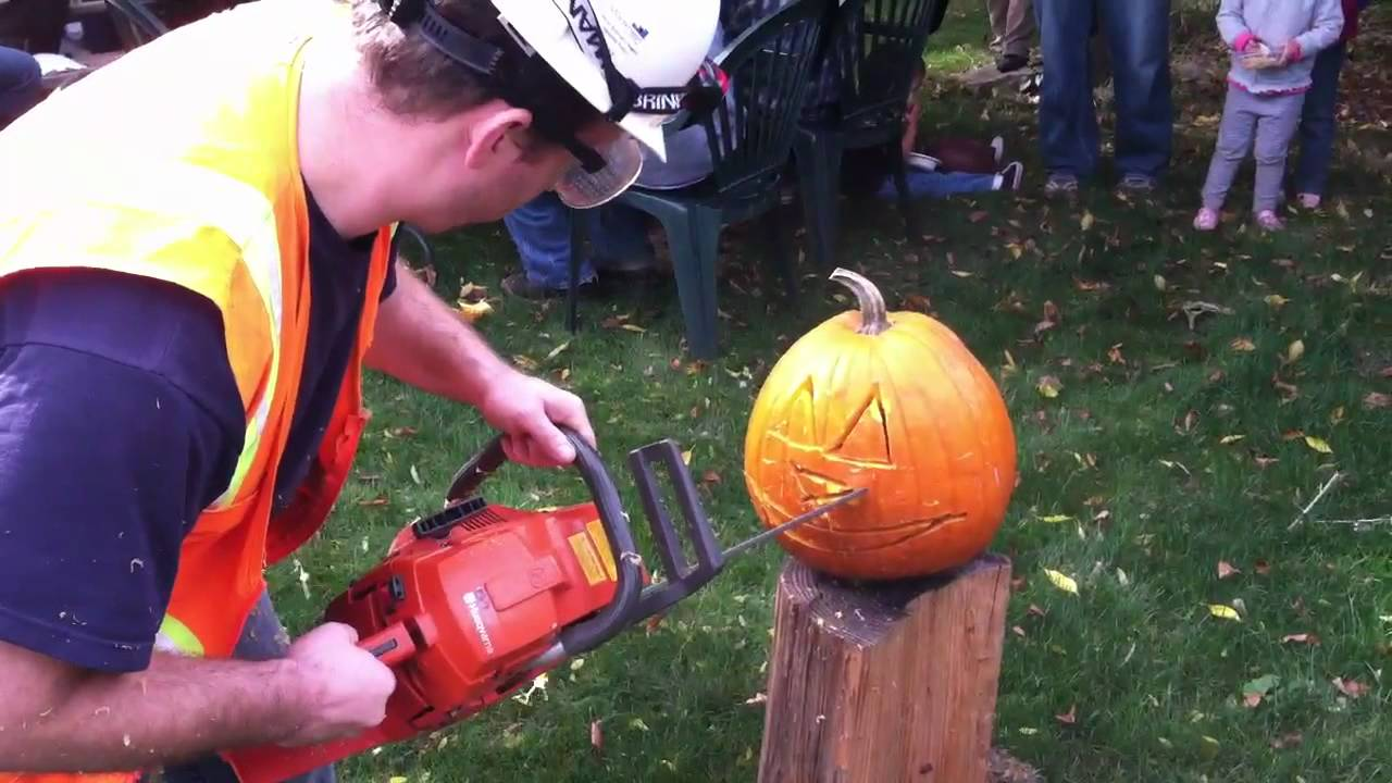 Chainsaw pumpkin carving youtube