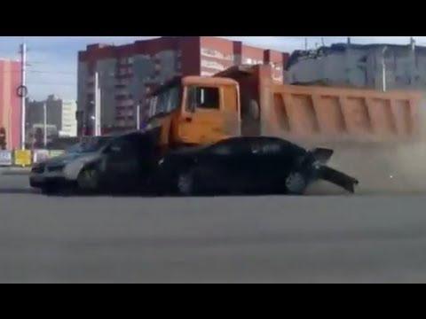 (MUST SEE) Truck Brakes Fail on Bridge